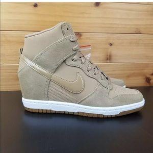 Nike Dubk Sky Hi Essential Wedge Shoe